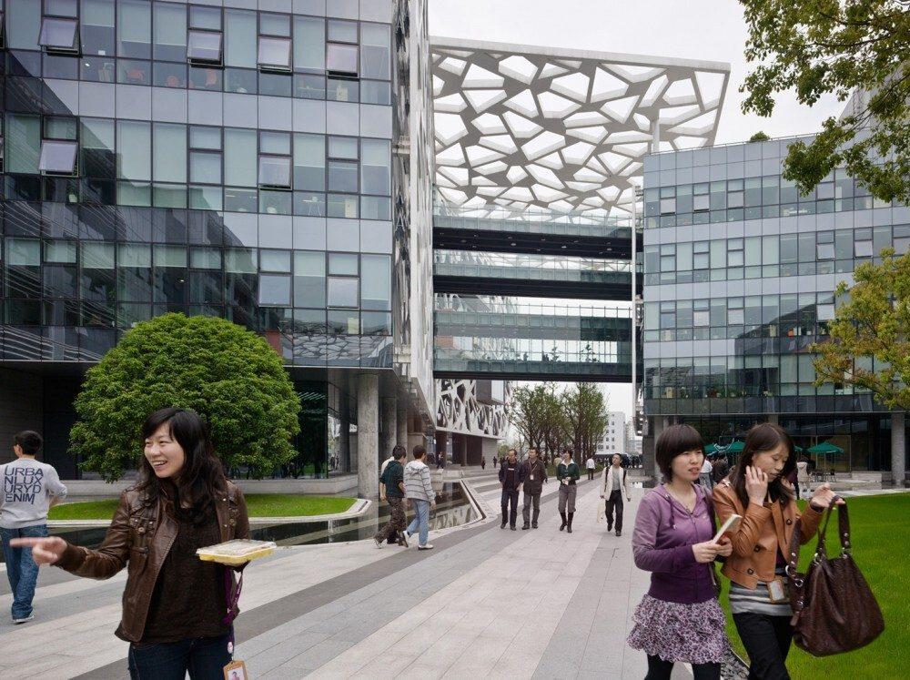 Trụ sở làm việc hiện đại hơn khi được thiết kế mở với không gian xanh