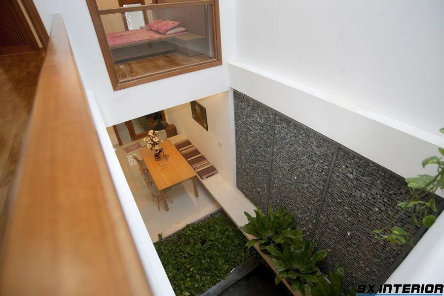 Giếng trời đóng vai trò trang trí cho căn nhà, đồng thời nó còn có những chức năng khác như phong thủy, điều hòa không khí, hiệu chỉnh ánh sáng