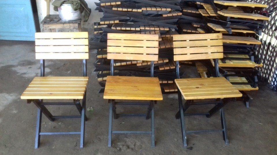 Ghế ngồi làm từ gỗ thông ghép thanh