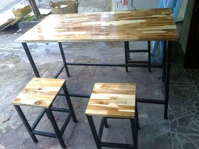 Bàn ghế ăn từ gỗ ghép thanh