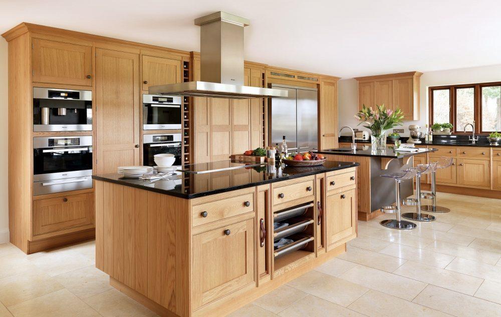 Tủ bếp làm từ gỗ sồi tự nhiên ghép thanh