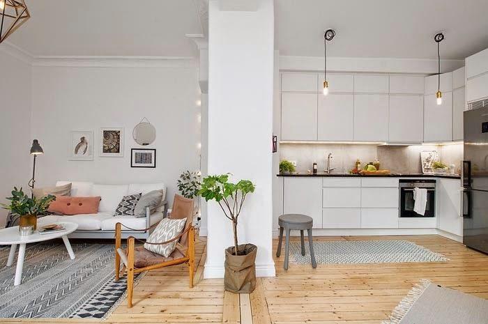 Căn cứ vào diện tích và hiện trạng từng công trình mà bạn có thể đưa ra giải pháp liên thông hoặc tách riêng không gian khách - bếp
