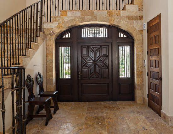 Các loại cửa tính ngoài vào vào trong nhà nên thiết kế thu nhỏ dần đều cho phù hợp