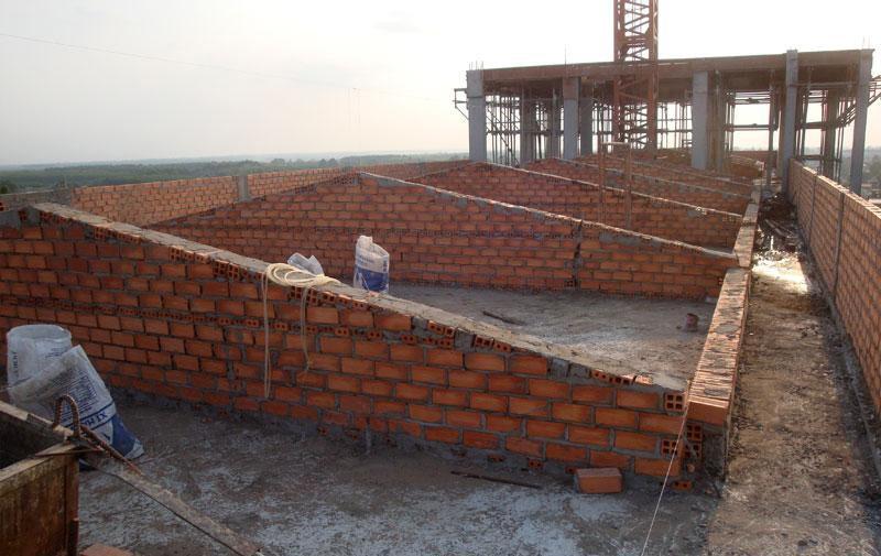 Tường thu hồi là khái niệm phổ biến trong xây dựng