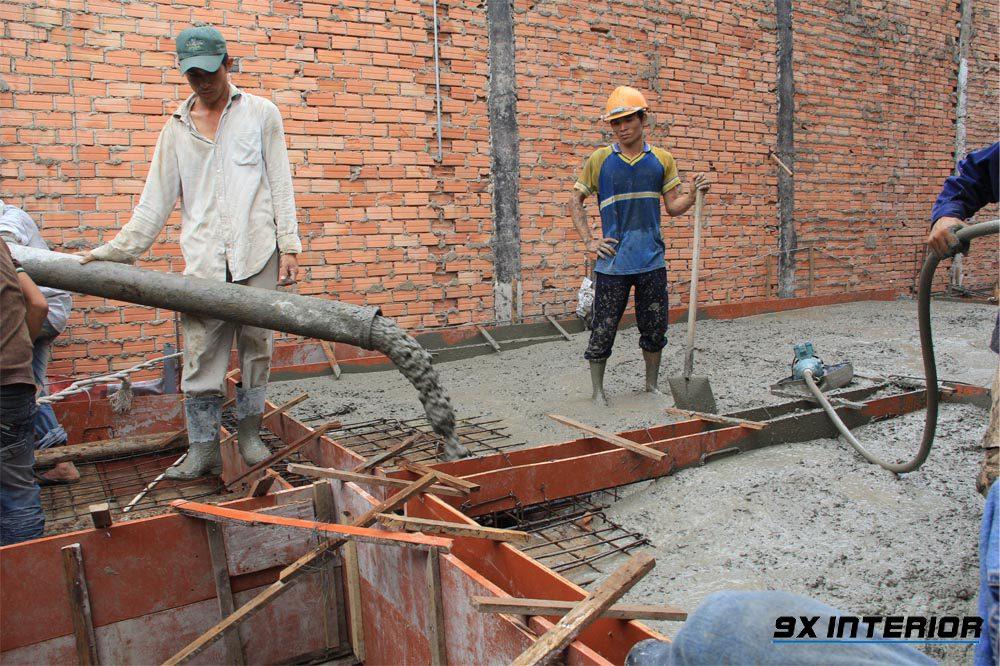 Để đảm bảo độ chắc chắn cho công trình xây dựng, chiều dày sàn bê tông cần phải được tính toán một cách cẩn thận và chi tiết
