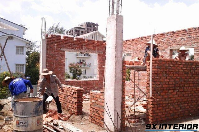 Để công trình của bạn kiên cố vàn vững chãi hơn nên lưu ý tính toán chiều cao và chiều dài của tường phù hợp