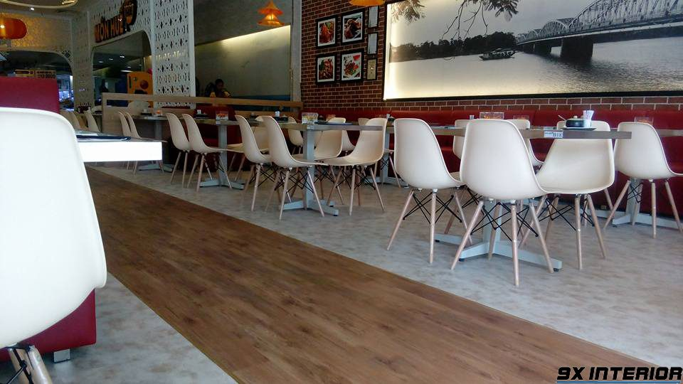 Sàn nhựa giả gỗ giá rẻ chỉ khoảng 30 - 50% giá thi công so với các loại sàn đắt tiền khác