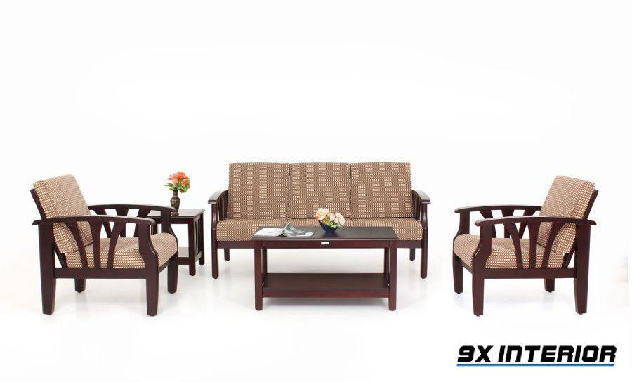 Vững chãi, khỏe khắn nhưng không cứng nhắc là những gì bộ sofa gỗ chữ U này sẽ mang đến cho phòng khách rộng rãi của bạn