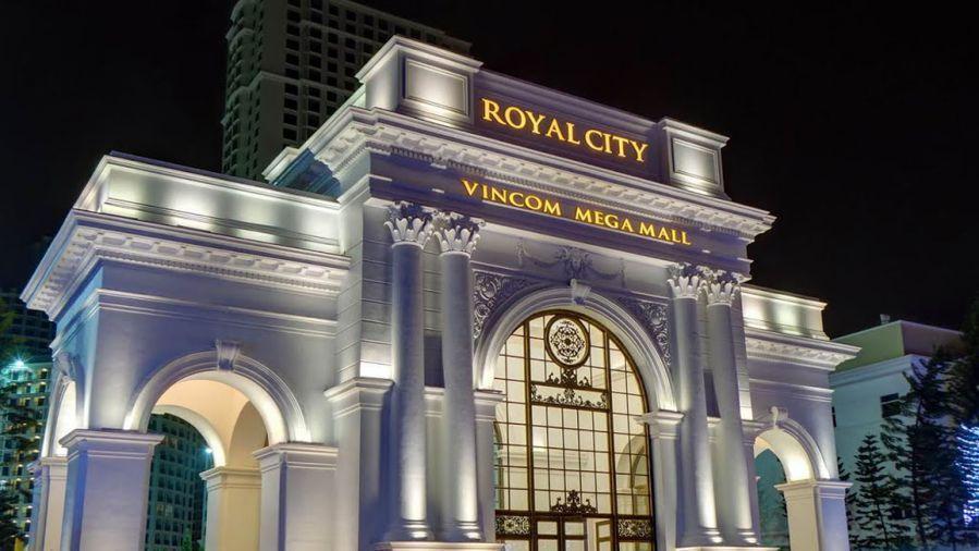 Royal City - khu đô thị  & trung tâm thương mại lớn tại Việt Nam, được thiết kế chủ đạo theo phong cách Tân cổ điển